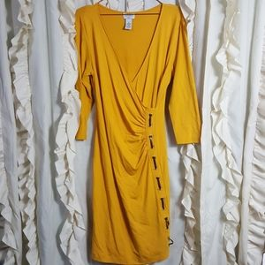 Carmen Marc Valvo gold faux wrap dress fitted